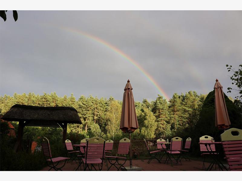 Terasse mit Regenbogen